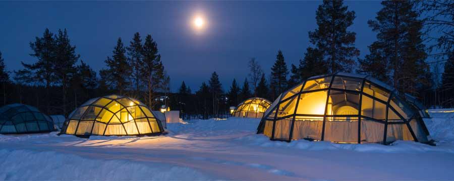 Dormire in un igloo di vetro in Finlandia