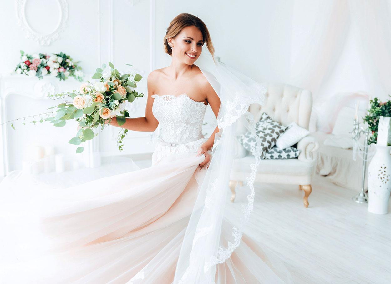 248db85a7612 La scelta dell abito da sposa consigli ed errori da evitare