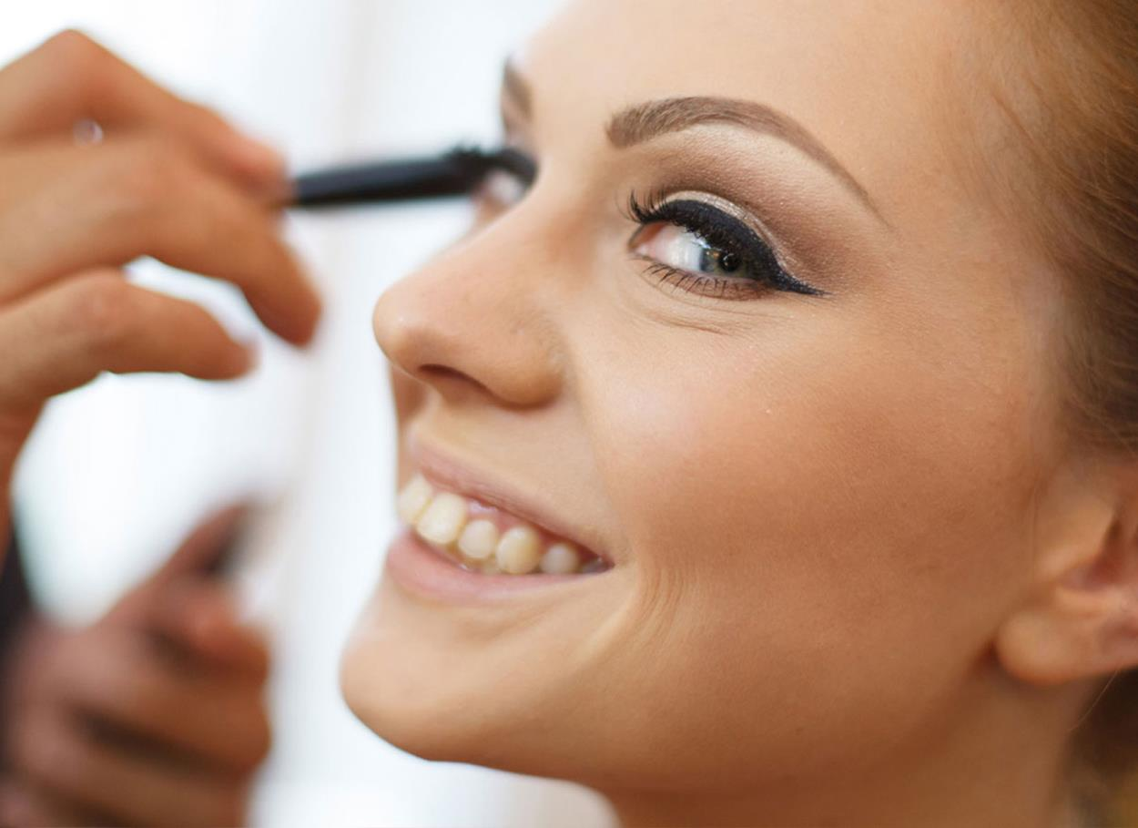 Il make up da sposa. Consigli per un trucco perfetto a prova di baci, abbracci e scatti fotografici