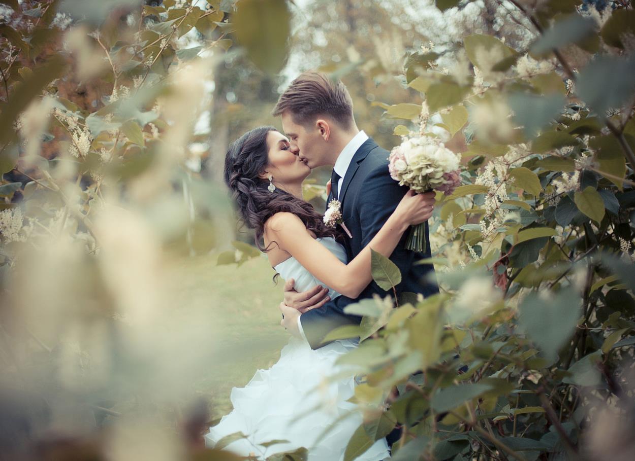 L'oroscopo degli sposi. Compatibilità e influenza degli astri per una vincente affinità di coppia