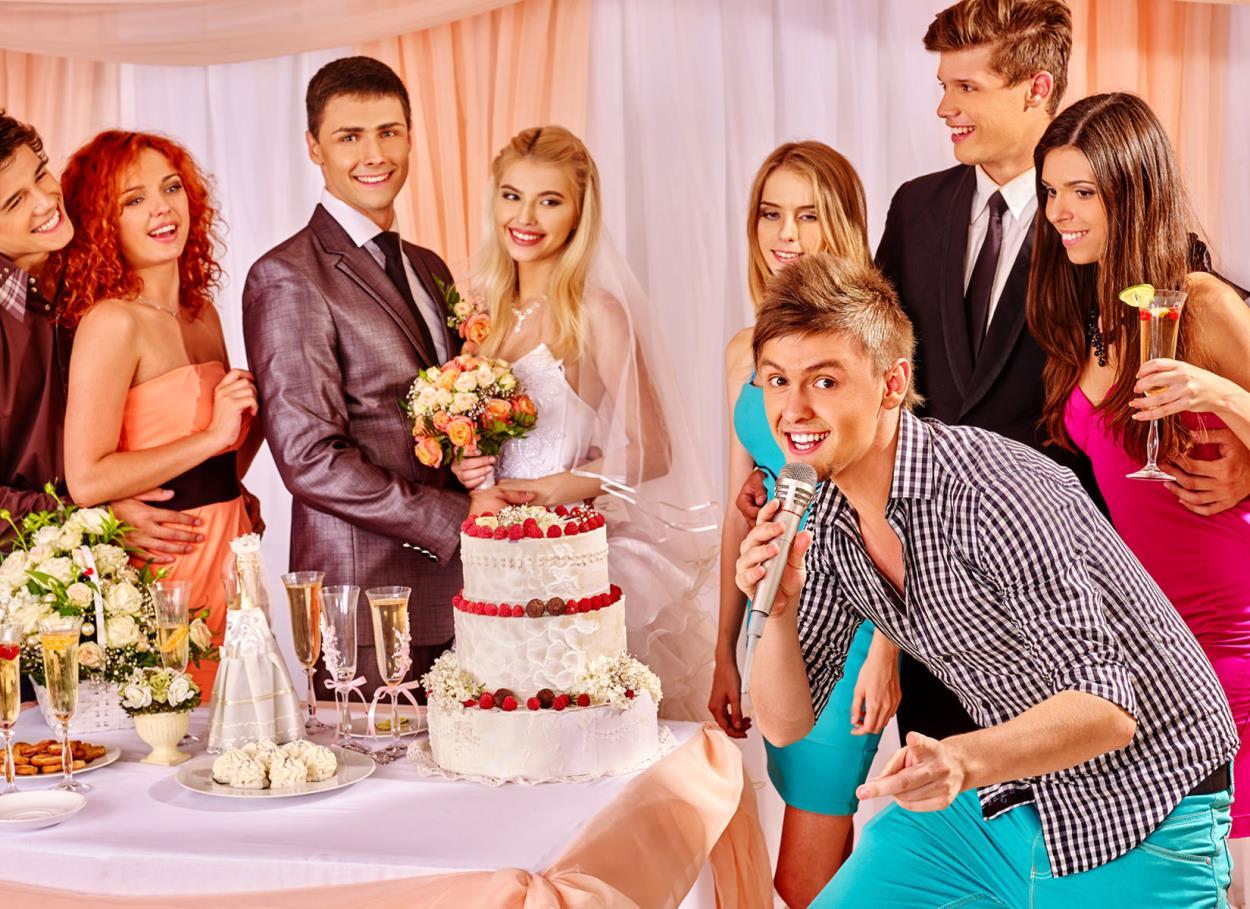 Idee per giochi e scherzi per matrimoni dopo il taglio della torta