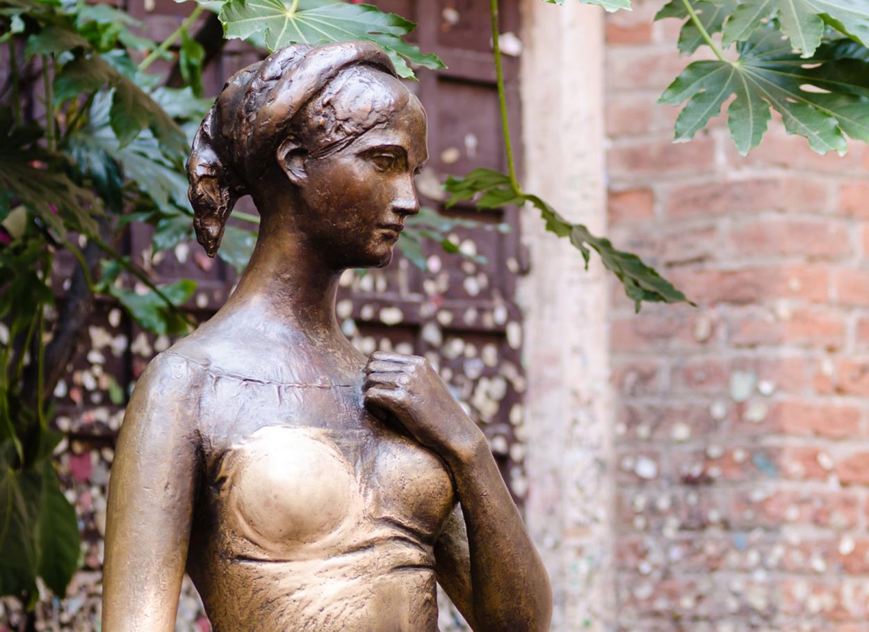 Per inguaribili romantici: il matrimonio nella casa di Giulietta