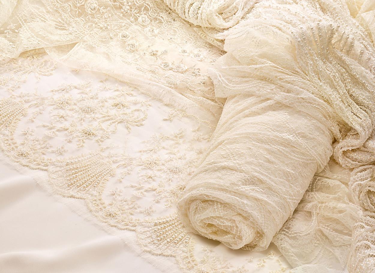 7a900b0ead77 Quali tessuti per l abito da sposa  Piccolo glossario